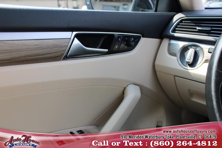 Used Volkswagen Passat 2.0T SE w/Technology Auto 2018 | Auto House of Luxury. Plantsville, Connecticut