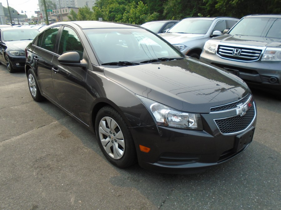 Used 2014 Chevrolet Cruze in Waterbury, Connecticut | Jim Juliani Motors. Waterbury, Connecticut