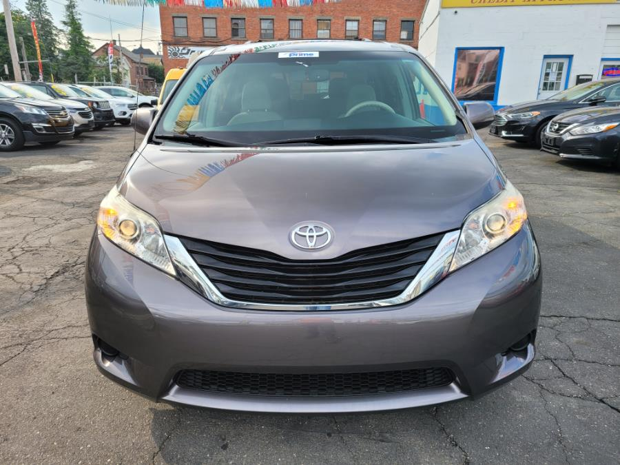 Used Toyota Sienna 5dr 7-Pass Van V6 LE AWD 2013 | Affordable Motors Inc. Bridgeport, Connecticut