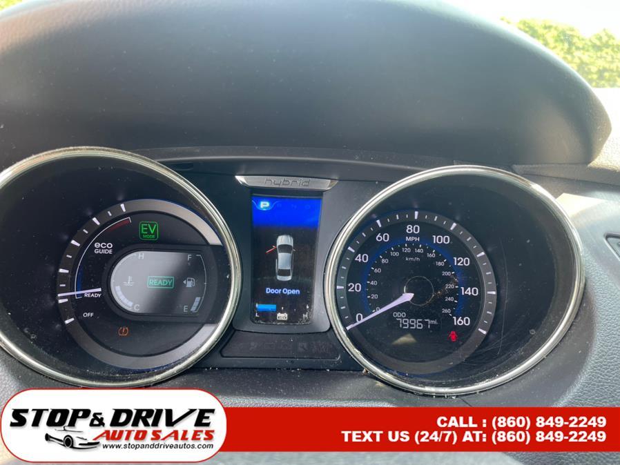 Used Hyundai Sonata 4dr Sdn 2.4L Auto Hybrid 2011 | Stop & Drive Auto Sales. East Windsor, Connecticut