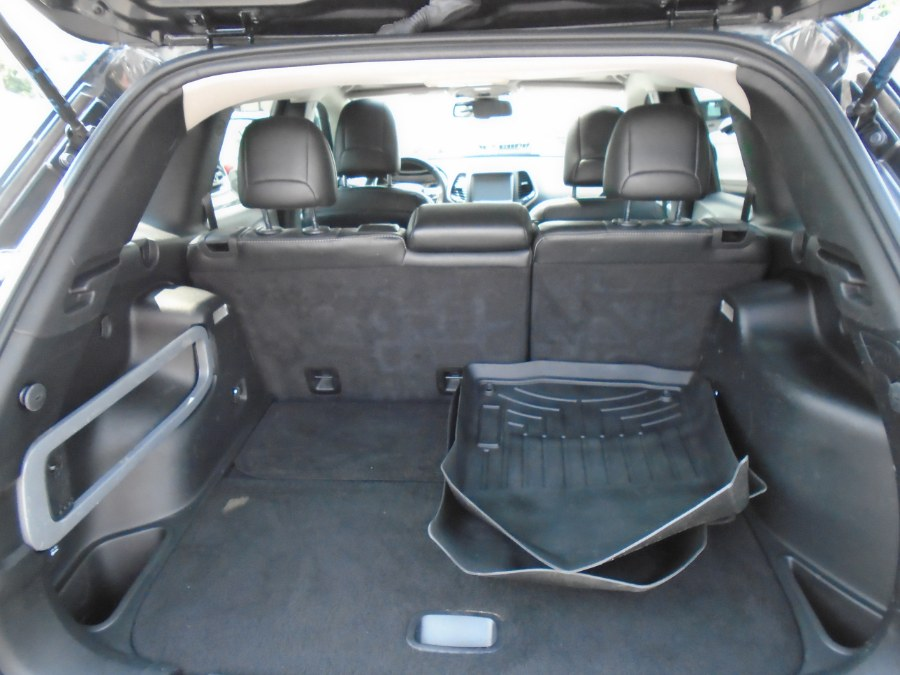 Used Jeep Cherokee 4WD 4dr Limited 2015 | Jim Juliani Motors. Waterbury, Connecticut
