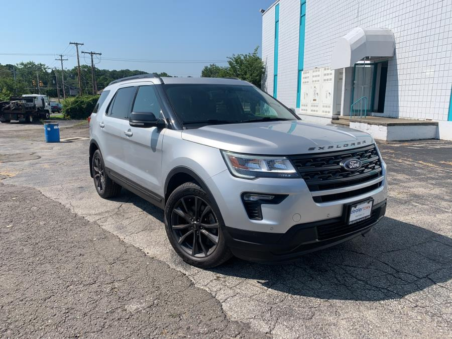 Used Ford Explorer XLT  4WD 2018 | Dealertown Auto Wholesalers. Milford, Connecticut