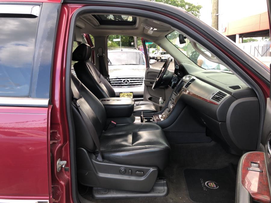 Used Cadillac Escalade AWD 4dr 2007   Champion Auto Sales Of The Bronx. Bronx, New York