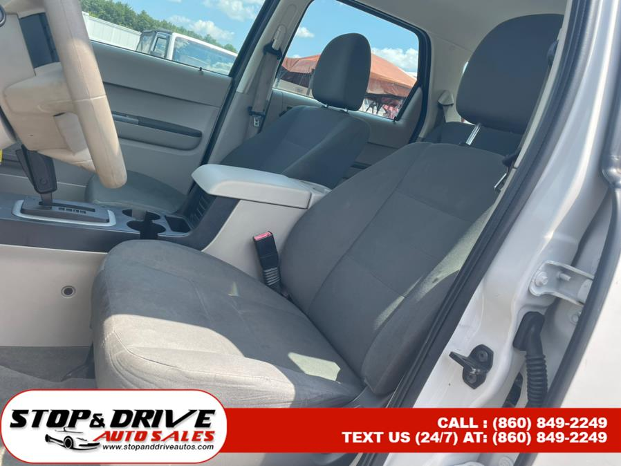 Used Ford Escape FWD 4dr I4 Auto XLS 2009 | Stop & Drive Auto Sales. East Windsor, Connecticut