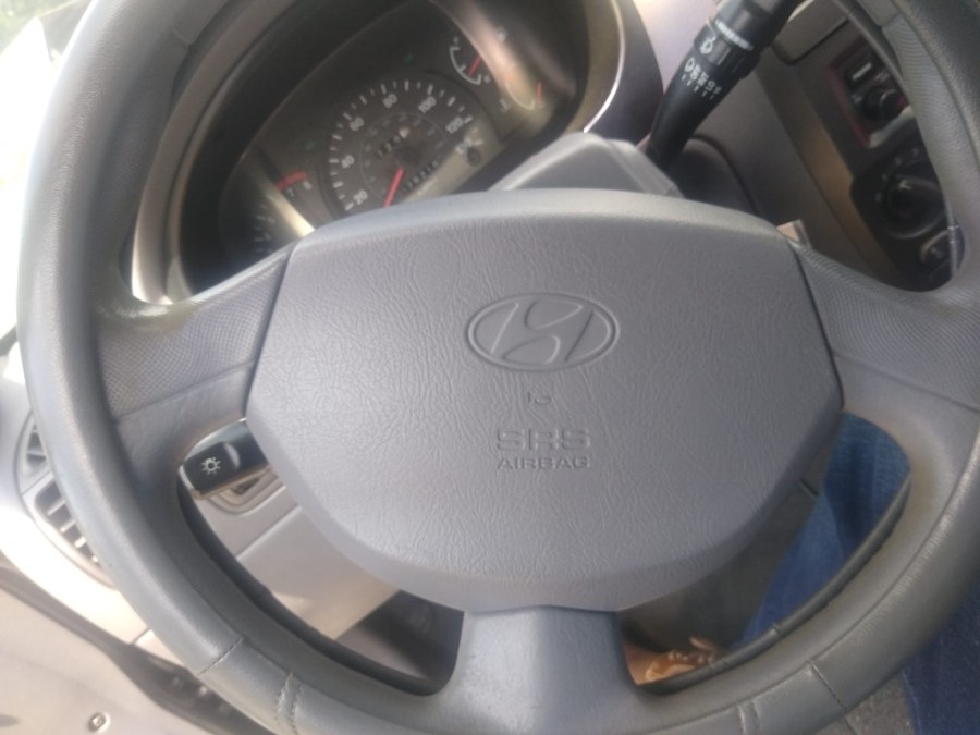Used Hyundai Accent 4dr Sdn GL Auto 2002   Payless Auto Sale. South Hadley, Massachusetts