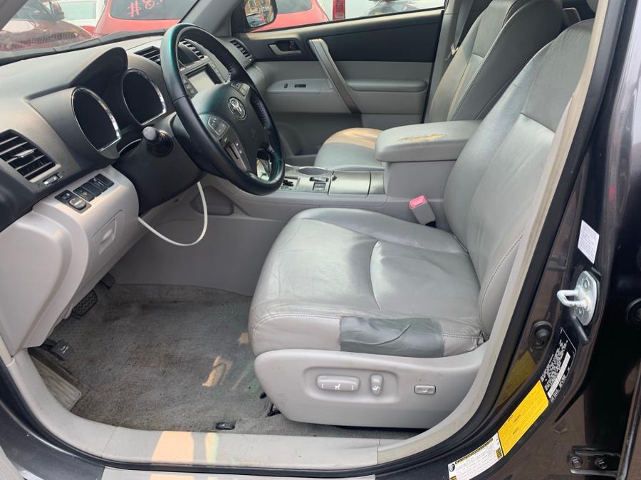 Used Toyota Highlander 4WD 4dr Sport 2008   Atlantic Used Car Sales. Brooklyn, New York