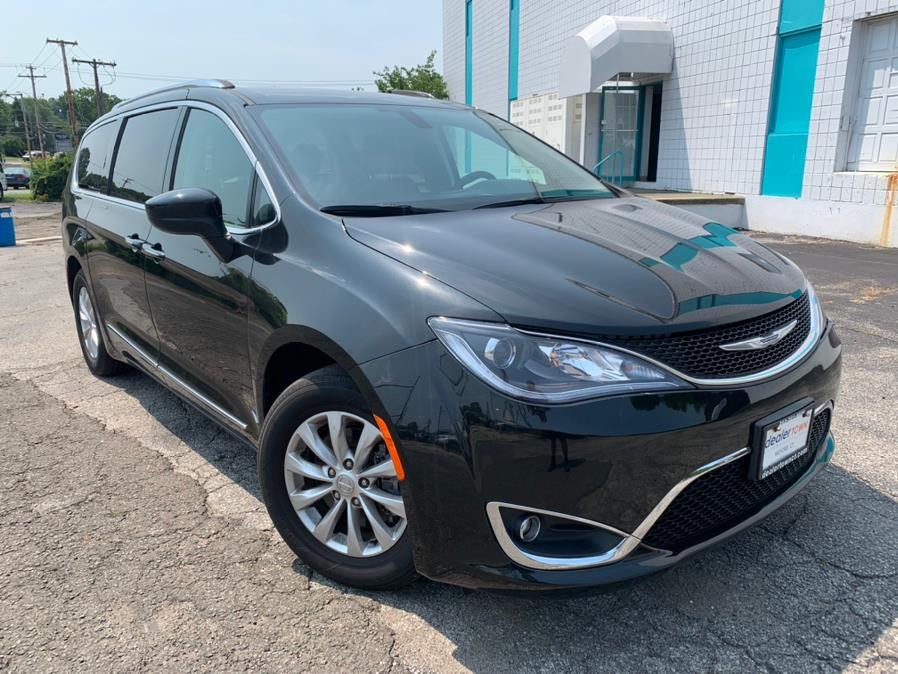 Used Chrysler Pacifica Touring L FWD 2018 | Dealertown Auto Wholesalers. Milford, Connecticut