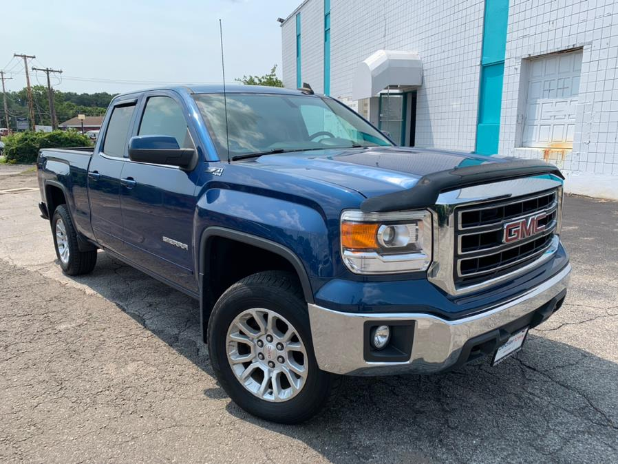"""Used GMC Sierra 1500 4WD Double Cab 143.5"""" SLE 2015   Dealertown Auto Wholesalers. Milford, Connecticut"""