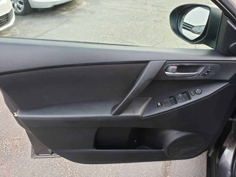 Used Mazda Mazda3 4dr Sdn Auto i Touring 2010 | ODA Auto Precision LLC. Auburn, New Hampshire