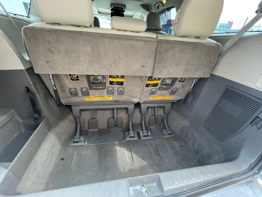 Used Toyota Sienna 5dr 7-Pass Van V6 XLE FWD (Natl) 2012   Brooklyn Auto Mall LLC. Brooklyn, New York