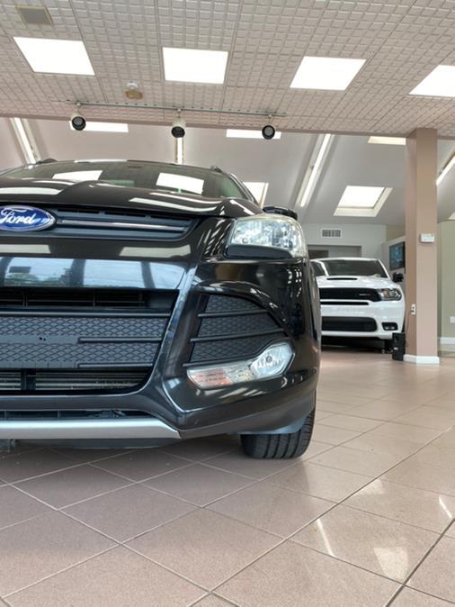 Used Ford Escape 4WD 4dr SE 2013 | POWER MOTORS EAST. Massapequa Park, New York