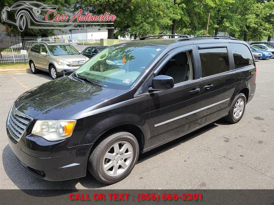 Used Chrysler Town & Country 4dr Wgn Touring 2010 | Carr Automotive. Delran, New Jersey