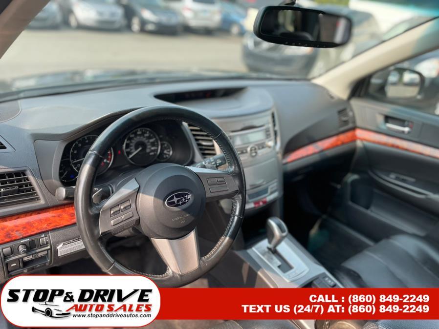 Used Subaru Outback 4dr Wgn H4 Auto 2.5i Ltd 2010 | Stop & Drive Auto Sales. East Windsor, Connecticut