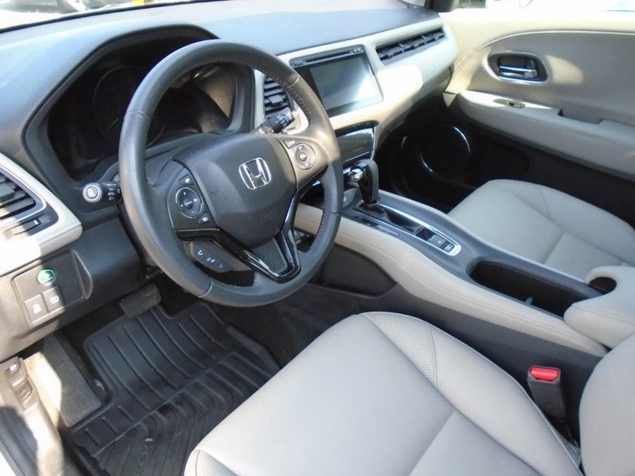 Used Honda HR-V AWD 4dr CVT EX-L w/Navi 2016 | Jim Juliani Motors. Waterbury, Connecticut