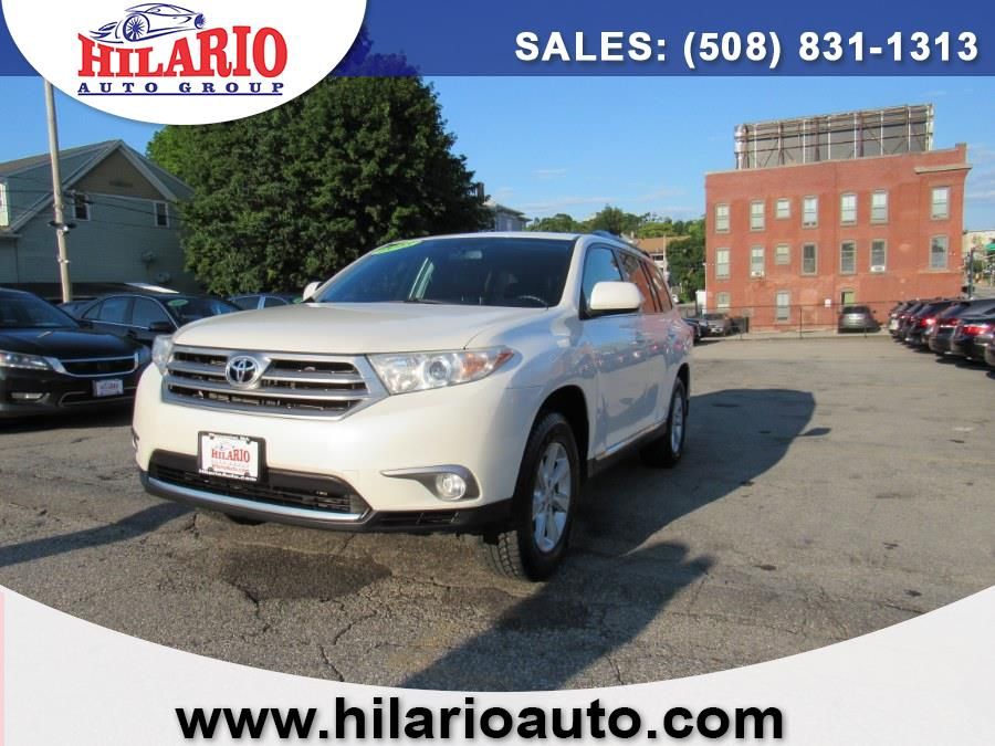 Used Toyota Highlander SE 2013   Hilario's Auto Sales Inc.. Worcester, Massachusetts