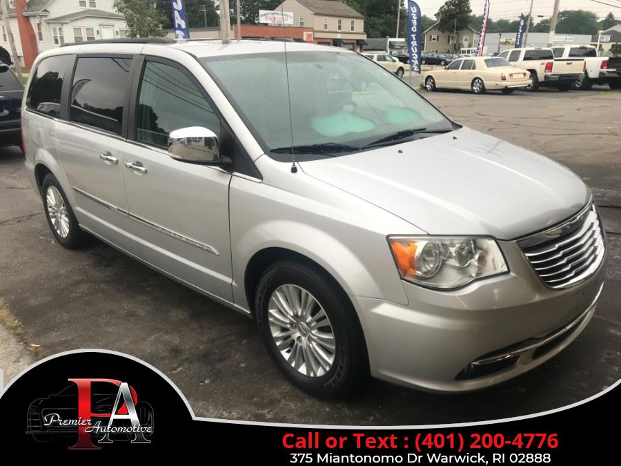 Used Chrysler Town & Country 4dr Wgn Touring-L 2011 | Premier Automotive Sales. Warwick, Rhode Island
