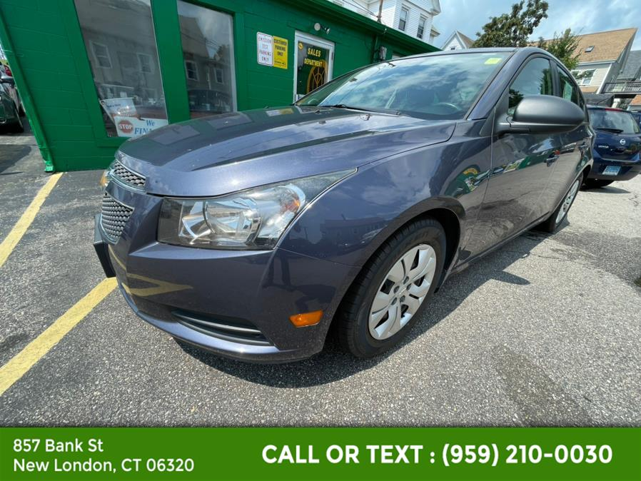 Used Chevrolet Cruze 4dr Sdn Man LS 2014   McAvoy Inc dba Town Hill Auto. New London, Connecticut