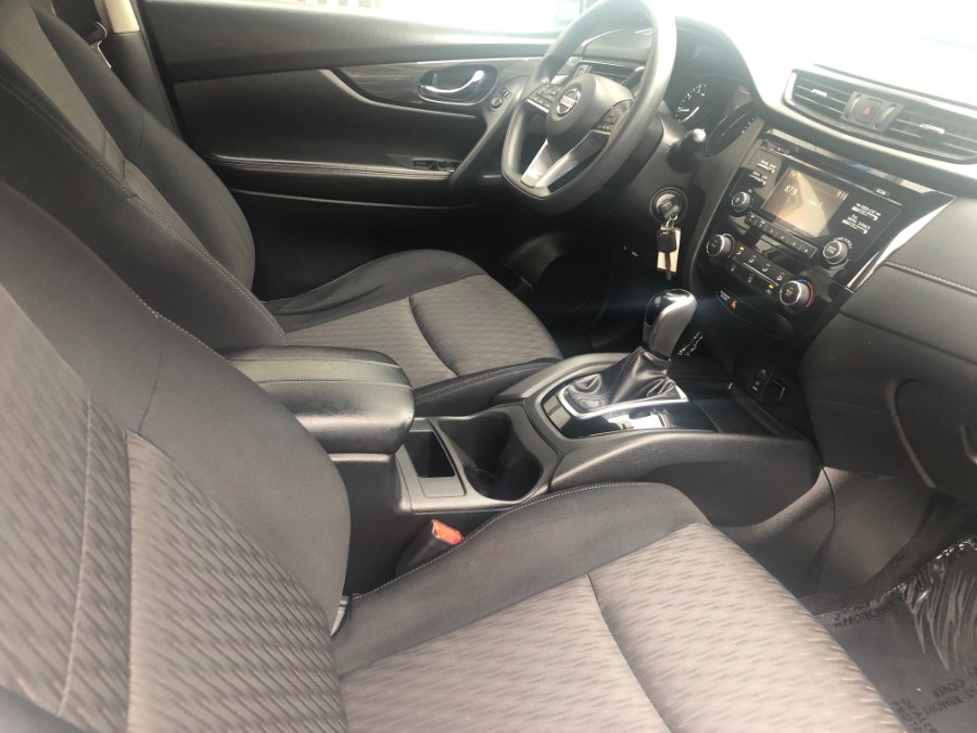 Used Nissan Rogue AWD S 2017   Bristol Auto Center LLC. Bristol, Connecticut