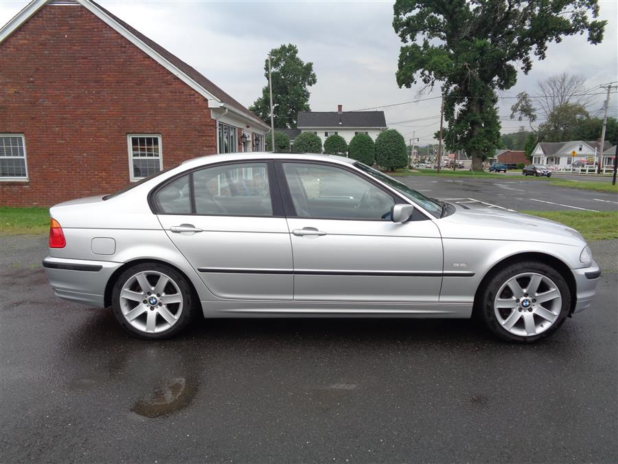 Used BMW 3 Series 325i 4dr Sdn 2001 | Country Auto Sales. Southwick, Massachusetts
