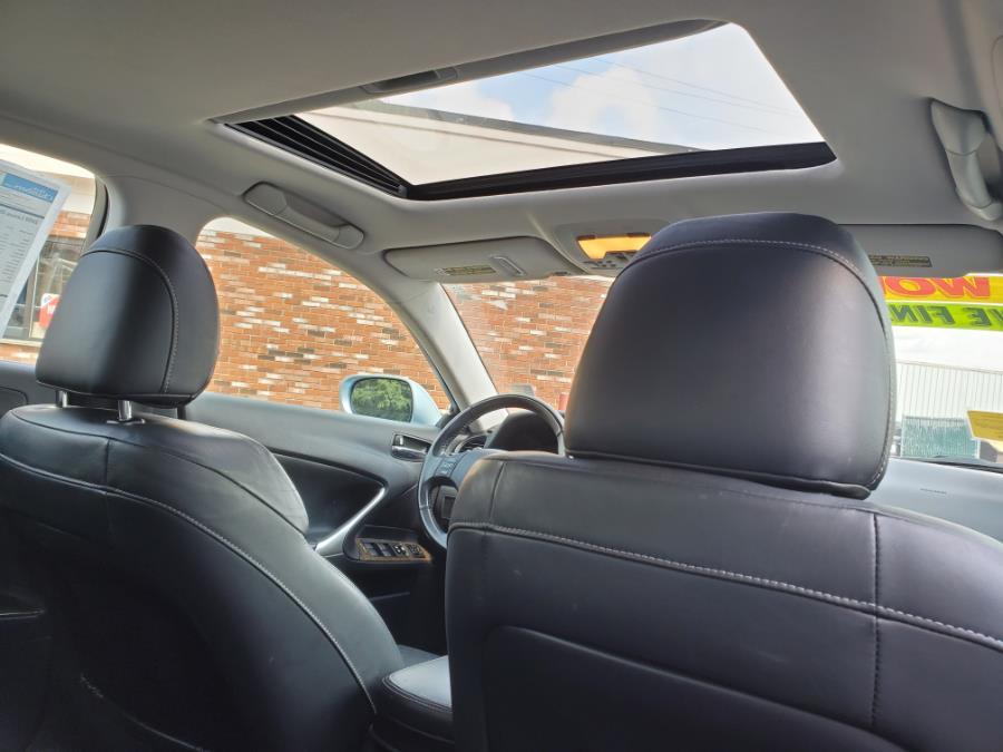 Used Lexus IS 250 4dr Sport Sdn Auto AWD 2009   Capital Lease and Finance. Brockton, Massachusetts