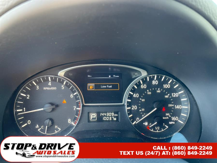 Used Nissan Altima 4dr Sdn I4 2.5 S 2015 | Stop & Drive Auto Sales. East Windsor, Connecticut