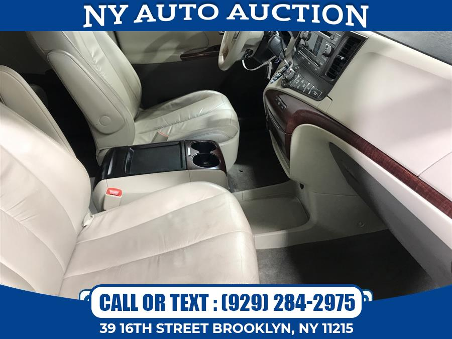 Used Toyota Sienna 5dr 7-Pass Van V6 XLE AAS FWD (Natl) 2011 | NY Auto Auction. Brooklyn, New York