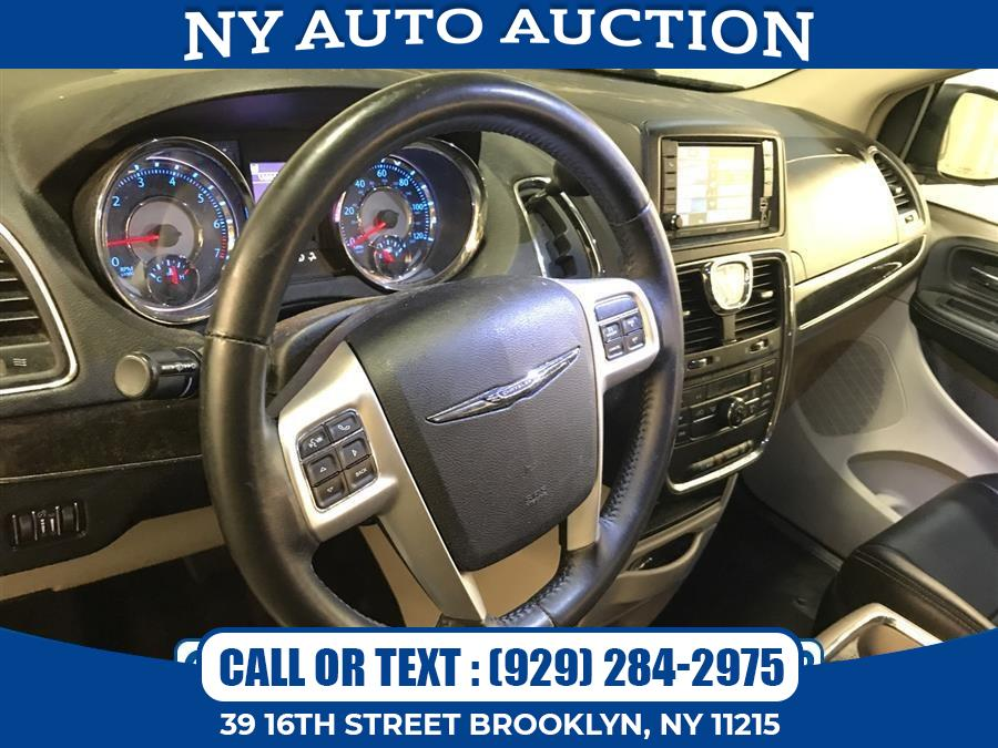 Used Chrysler Town & Country 4dr Wgn Touring 2016   NY Auto Auction. Brooklyn, New York
