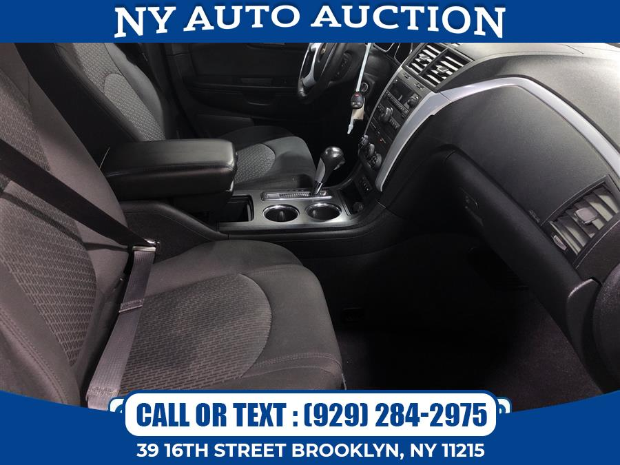 Used Chevrolet Traverse AWD 4dr LT w/1LT 2011 | NY Auto Auction. Brooklyn, New York
