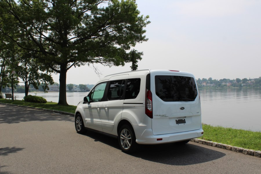 2015 Ford Transit Connect Wagon 4dr Wgn SWB XLT w/Rear Liftgate, available for sale in Great Neck, NY