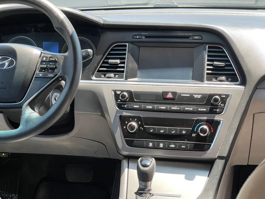 Used Hyundai Sonata 4dr Sdn 2.4L SE 2016   Green Light Auto. Corona, California