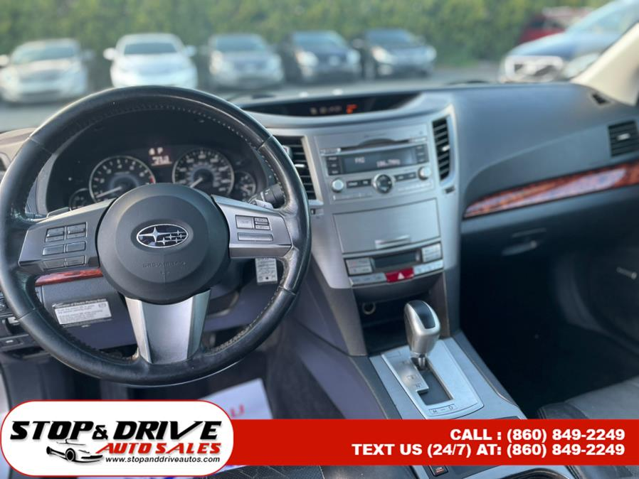 Used Subaru Legacy 4dr Sdn H4 Auto 2.5i Limited Moon 2010 | Stop & Drive Auto Sales. East Windsor, Connecticut