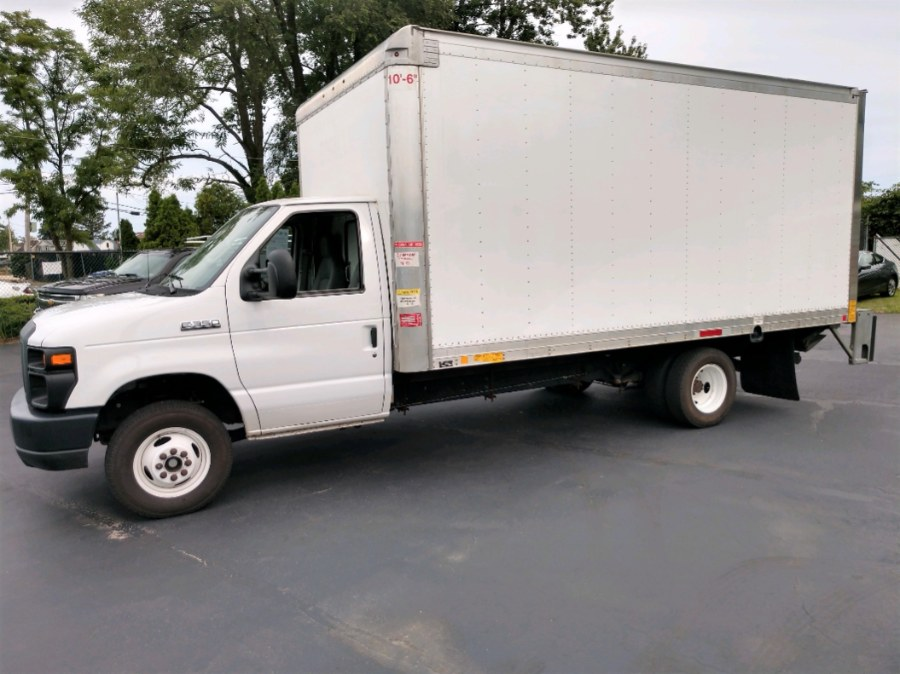 Used 2017 Ford E350 16 FT BOX TRUCK w LIFTGATE in COPIAGUE, New York | Warwick Auto Sales Inc. COPIAGUE, New York