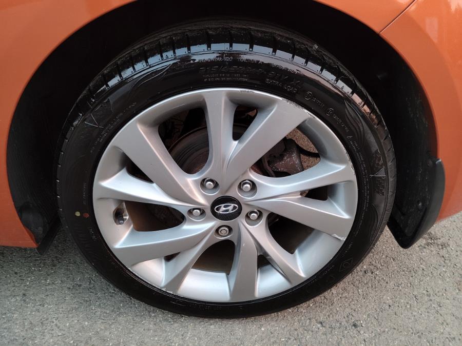 Used Hyundai Veloster 3dr Cpe Auto 2016 | Cos Central Auto. Meriden, Connecticut