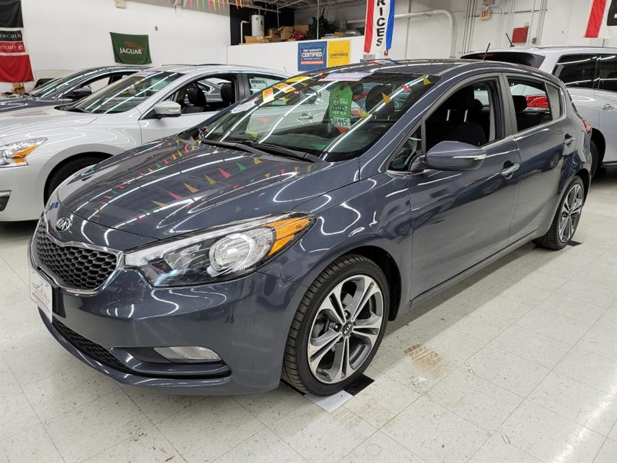 2016 Kia Forte 5-Door 5dr HB Auto EX, available for sale in West Haven, CT