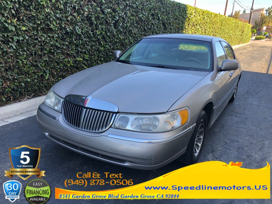 Used 2000 Lincoln Town Car in Garden Grove, California | Speedline Motors. Garden Grove, California