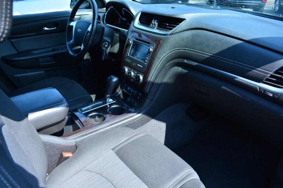 Used Chevrolet Traverse AWD 4dr LT w/2LT 2016 | Longmeadow Motor Cars. ENFIELD, Connecticut