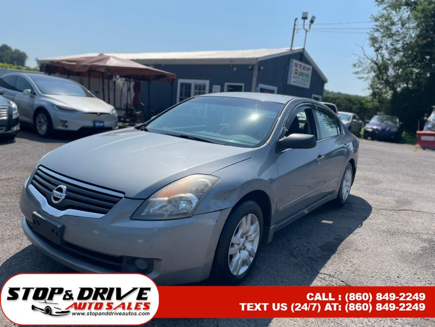 Used 2009 Nissan Altima in East Windsor, Connecticut | Stop & Drive Auto Sales. East Windsor, Connecticut