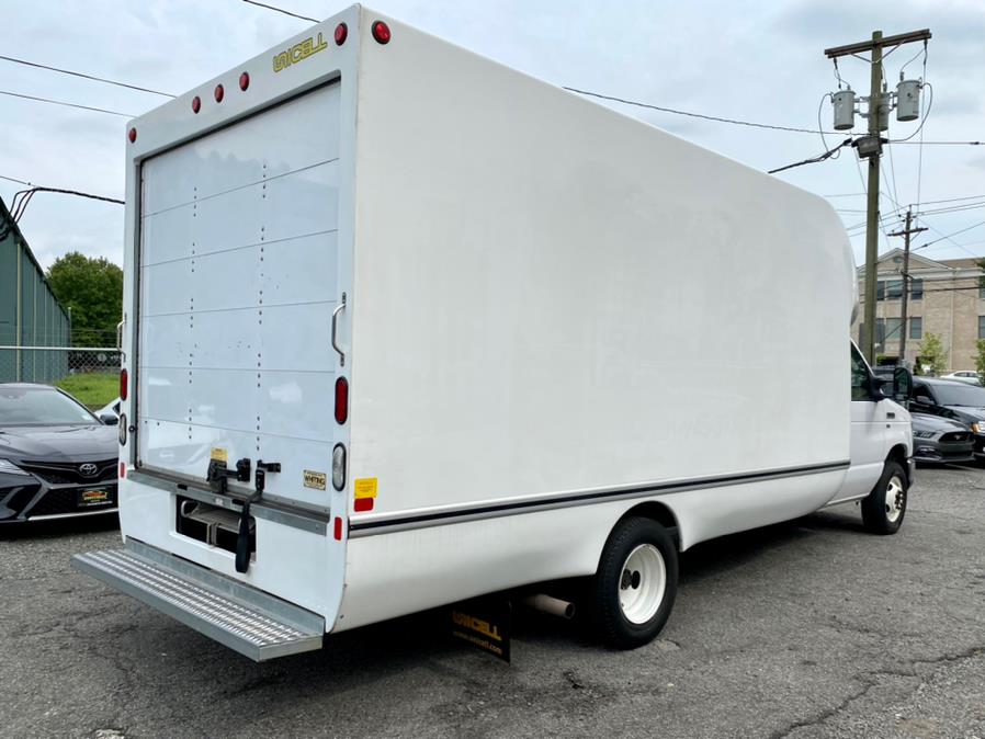 Used Ford E-Series Cutaway E-350 DRW 2017 | Easy Credit of Jersey. South Hackensack, New Jersey