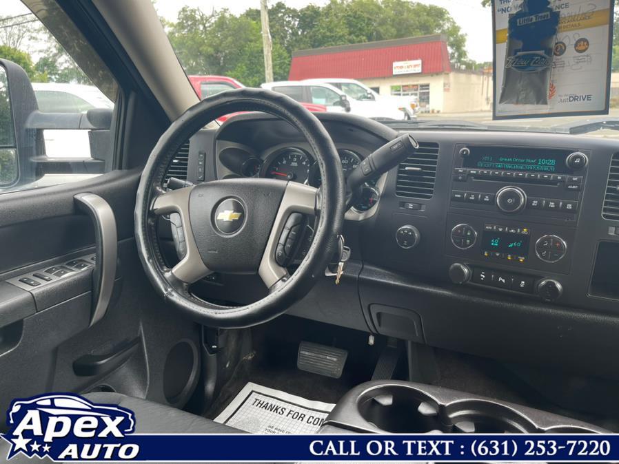 "Used Chevrolet Silverado 3500HD 4WD Crew Cab 167.7"" LT 2014 | Apex Auto. Selden, New York"