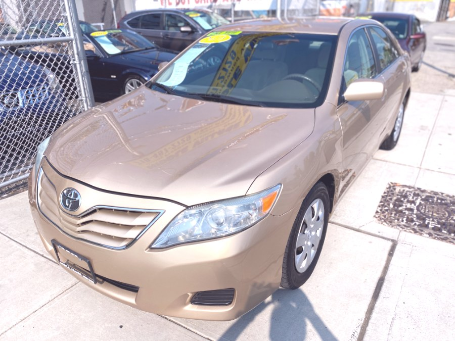 Used 2010 Toyota Camry in Middle Village, New York | Middle Village Motors . Middle Village, New York