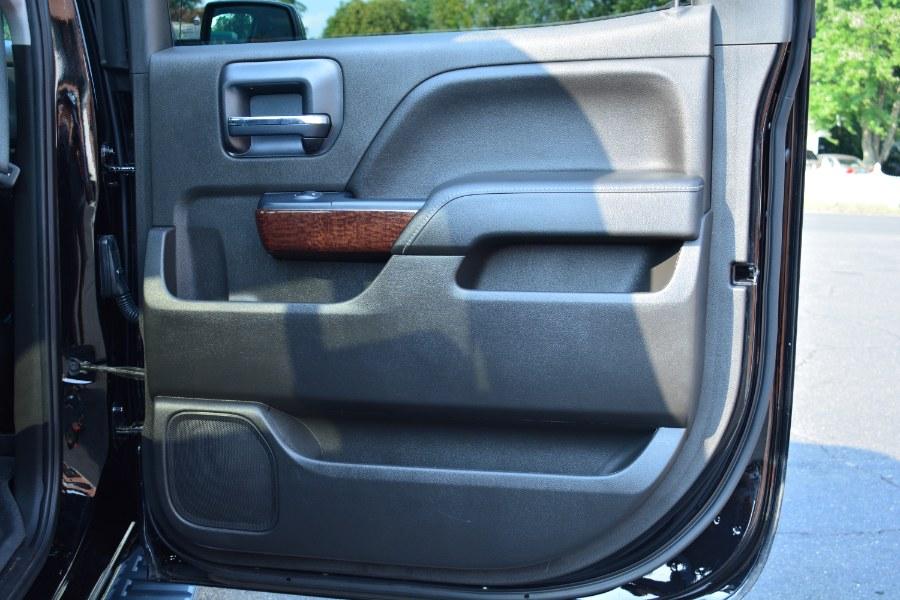 "Used GMC Sierra 1500 4WD Crew Cab 143.5"" SLT 2018 | Longmeadow Motor Cars. ENFIELD, Connecticut"