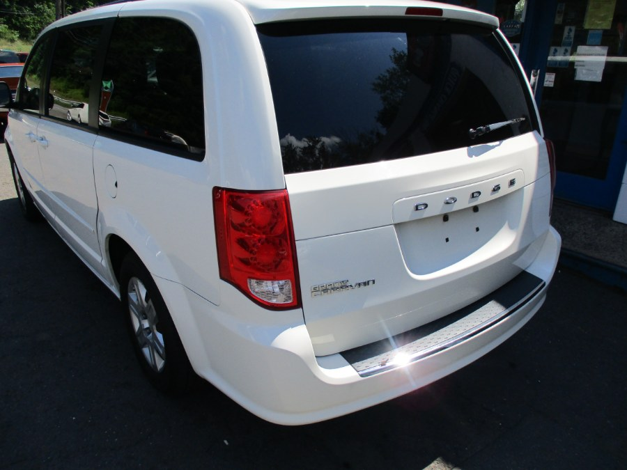 Used Chrysler Town & Country 4dr Wgn Touring 2013 | Cos Central Auto. Meriden, Connecticut