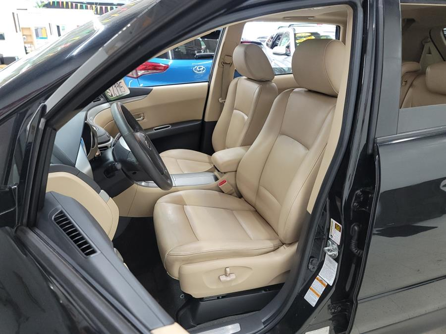 2006 Subaru B9 Tribeca 7-Pass Beige Int, available for sale in West Haven, CT