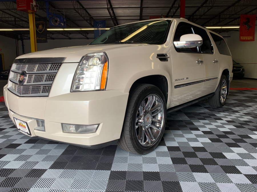 Used 2013 Cadillac Escalade ESV in West Babylon , New York | MP Motors Inc. West Babylon , New York