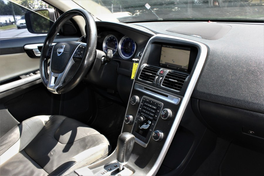 Used Volvo XC60 FWD 4dr 3.2L R-Design w/Moonroof 2011   HHH Auto Sales LLC. Marietta, Georgia