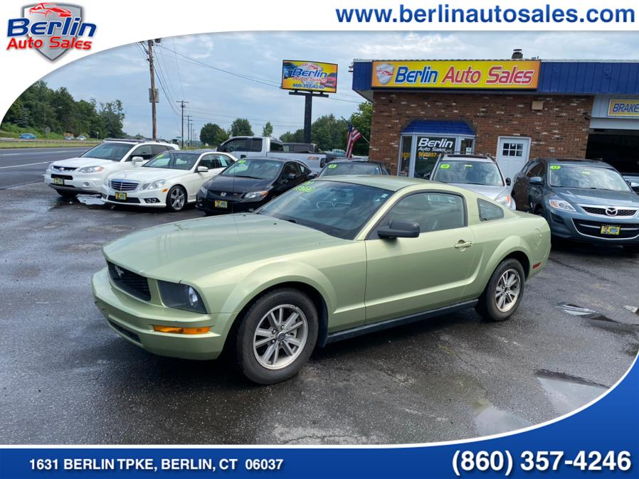 Used 2005 Ford Mustang in Berlin, Connecticut | Berlin Auto Sales LLC. Berlin, Connecticut