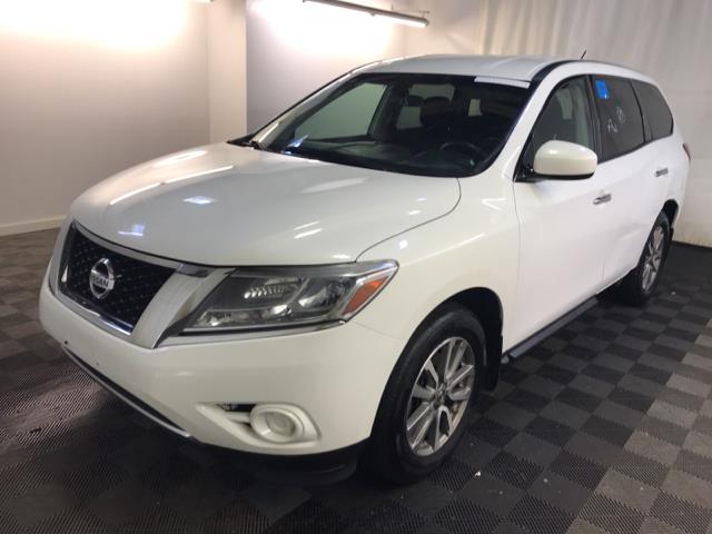 Used 2014 Nissan Pathfinder in Brooklyn, New York | Atlantic Used Car Sales. Brooklyn, New York