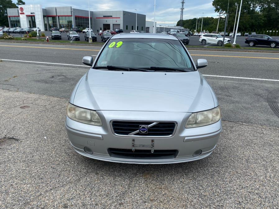 Used Volvo S60 4dr Sdn 2.5T FWD w/Sunroof 2009 | Gas On The Run. Swansea, Massachusetts