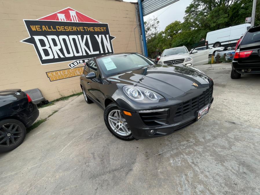 Used 2017 Porsche Macan in Brooklyn, New York | Brooklyn Auto Mall LLC. Brooklyn, New York