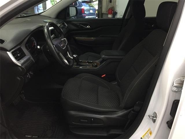 Used GMC Acadia SLE-2 2017   Eastchester Motor Cars. Bronx, New York